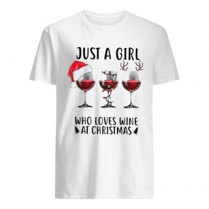Just a girl who loves wine at Christmas  Classic Men's T-shirt